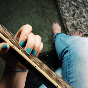 Apprendre à jouer de la guitare, comment s'y prendre ?